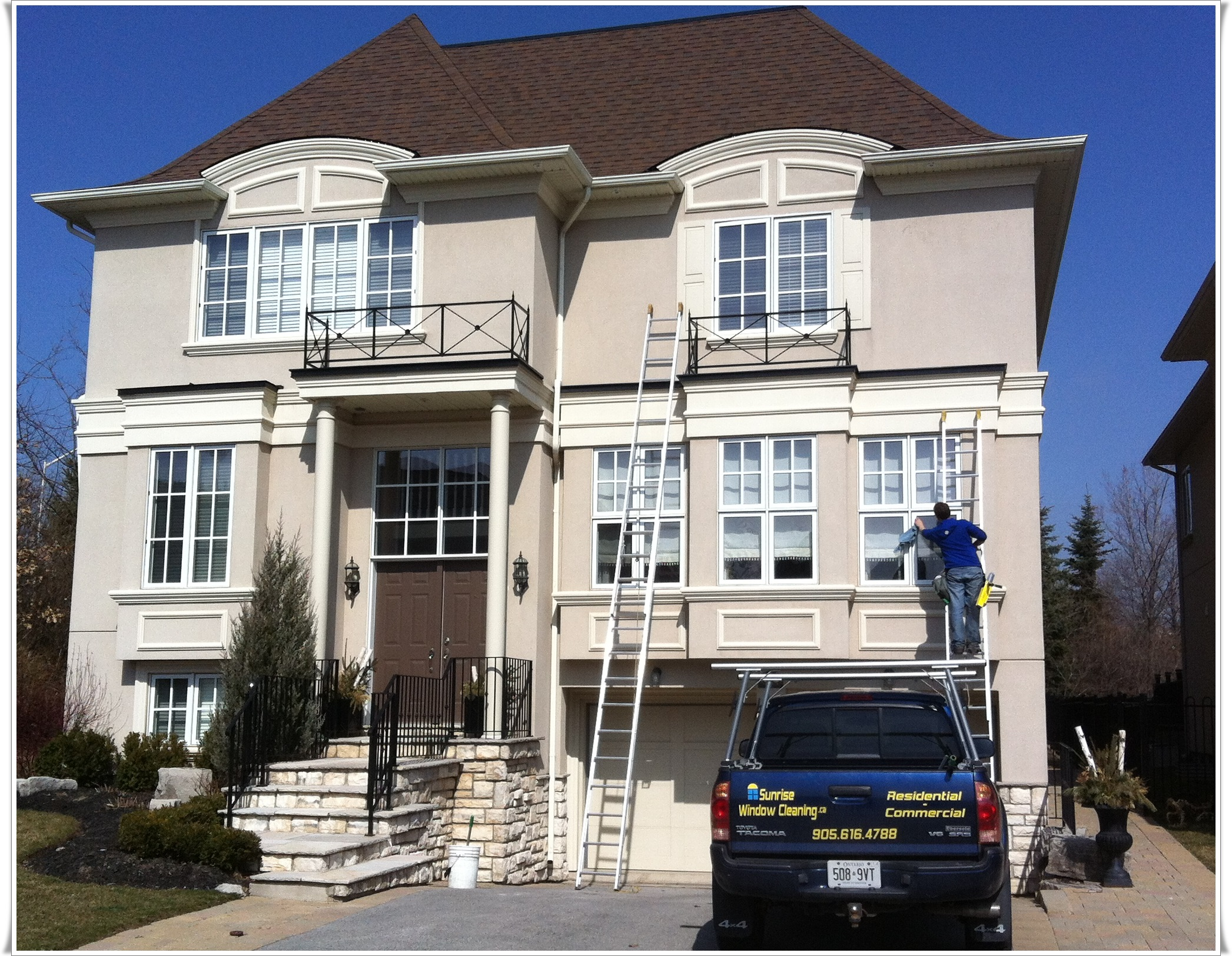 Residential window cleaning window cleaning mississauga for Windows for residential homes