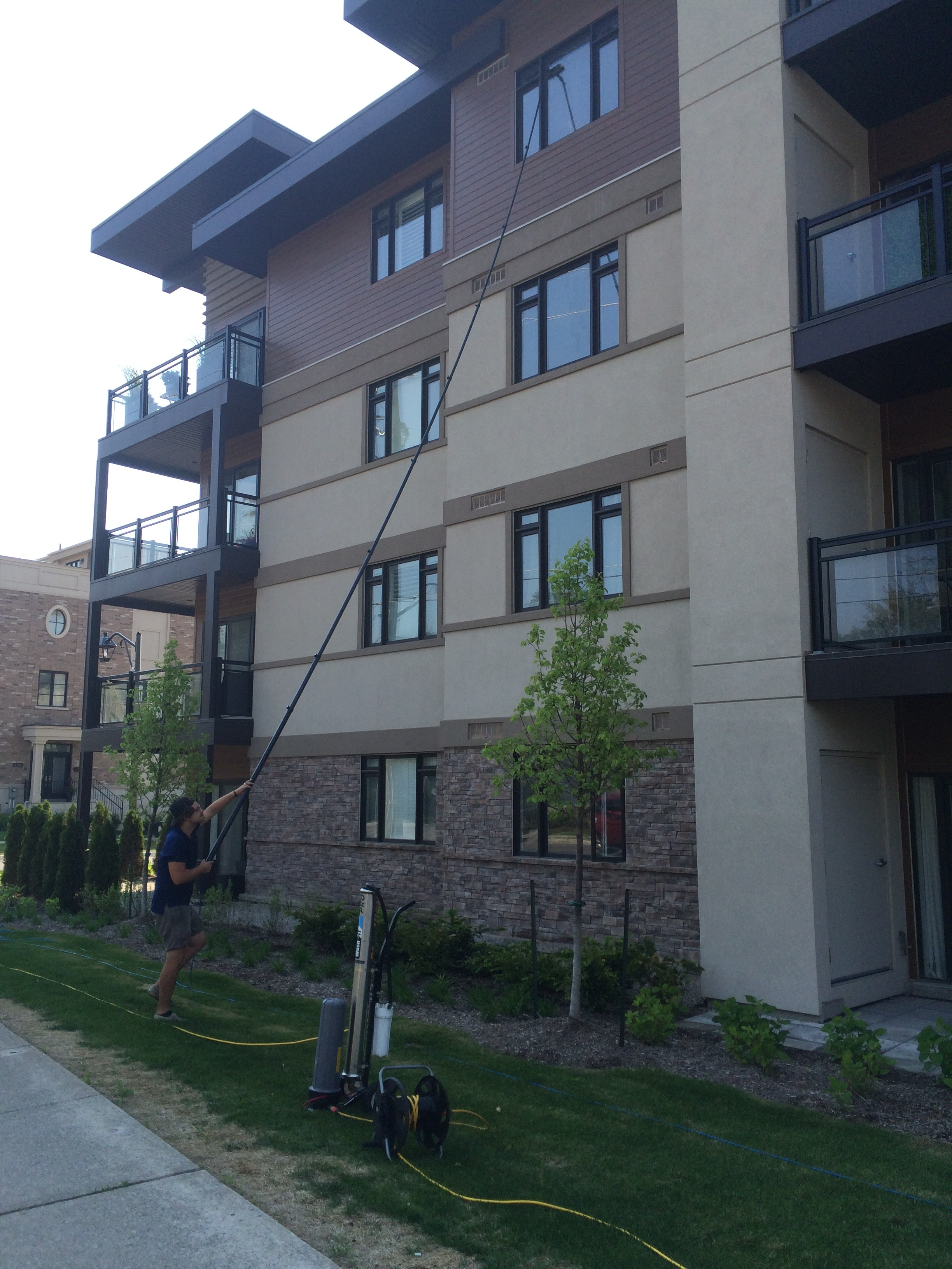 condo window cleaning